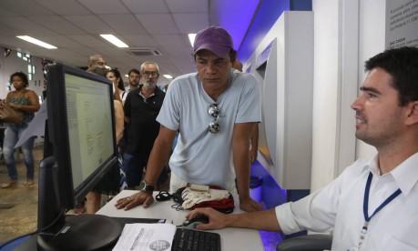 """Reserva. Marcos Aurélio Soares vai aplicar os recursos do FGTS na poupança: """"Estou desempregado, então, quando ficar totalmente sem dinheiro, vou usá-lo"""" Foto: Custódio Coimbra / Custodio Coimbra"""