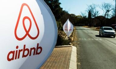 Logotipo do Airbnb Foto: Waldo Swiegers / Bloomberg/Arquivo