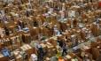 Estoques da Amazon em Hemel Hempstead, no norte de Londres. Foto: AFP/Adrian DENNIS