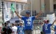 Manifestação de servidores em frente ao prédio da Alerj Foto: Márcio Alves / Agência O Globo