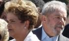 Dilma Rousseff ao lado do ex-presidente Lula Foto: Givaldo Barbosa / Agência O Globo
