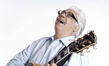 Larry Coryell, em 2013, quando se apresentou no Petrópolis Jazz & Blues Festival Foto: Divulgação