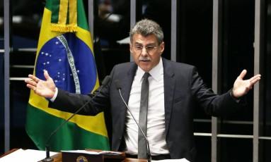 O presidente do PMDB e líder do governo no Congresso, Senador Romero Jucá (PMDB-RR) Foto: Ailton de Freitas / Agência O Globo