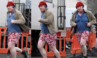 Boris Johnson dá sorrisinho enquanto corre em Londres Foto: Reprodução