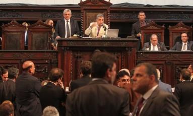 Votação de emendas ao texto que prevê a privatização da Cedae, na Alerj Foto: Luis Gustavo Soares / Divulgação