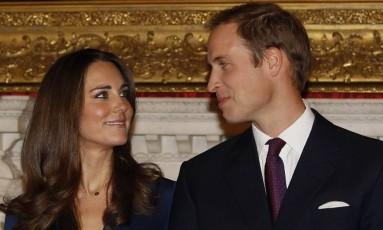 Kate Middleton no noivado com príncipe William, em novembro de 2010 Foto: Kirsty Wigglesworth / AP