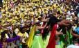 Desfile do Carmelitas em 2016: bloco sempre sai na sexta-feira Foto: Marcelo Carnaval / Agência O Globo