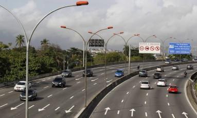 Linha Vermelha: Crivella desautoriza proposta de pedágio do vice-prefeito Foto: Márcia Foletto / Agência O Globo