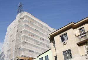 Condomínio construído pela PDG em Botafogo, Zona Sul do Rio Foto: Simone Marinho / Arquivo O Globo