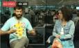 Diretor musical do Bloco do Sargento Pimenta em entrevista ao vivo no Globo Foto: Reprodução