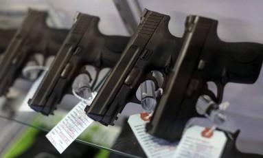 Pistolas da Taurus são vendidas no Missouri, EUA Foto: Jim Young / REUTERS