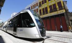Bonde do VLT: início da operação comercial na Linha 2 do sistema corre o risco de atrasar ainda mais Foto: Pablo Jacob / Pablo Jacob