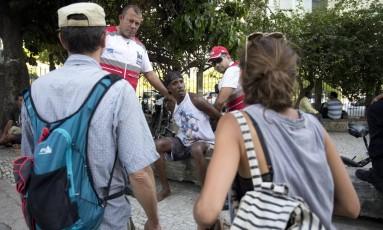 Ao ser detido, o ladrão foi reconhecido pela vítima Foto: Márcia Foletto / Agência O Globo