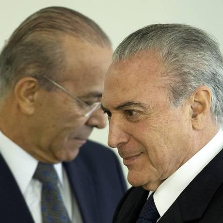 O ministro da Casa Civil, Eliseu Padilha e o presidente Michel Temer Foto: Jorge William / Agência O Globo
