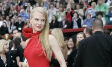 Em 2007, Nicole Kidman viveu seu grande momento no red carpet, com um look da grife Balenciaga Foto: Hector Mata / AFP