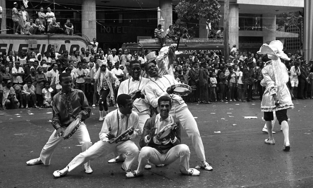 Desfile do Salgueiro no carnaval de 1968 Foto: Agência O Globo/ Arquivo