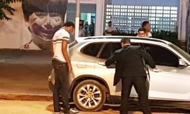 Goleiro Bruno deixa a prisão Foto: Alex Capella