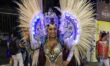 Chélida afirmou que resolveu sair do Império Serrano depois que pediram para ela desfilar de vestido longo Foto: Igor Ricardo / O Globo