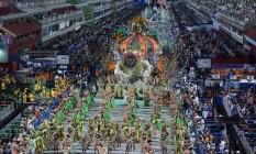 Acadêmicos de Santa Cruz encerra a primeira noite de desfiles da série A Foto: Fernando Grilli / Riotur