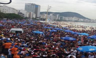 Bloco da Favorita, em Copacabana Foto: Kátia Gonçalves / Agência O Globo