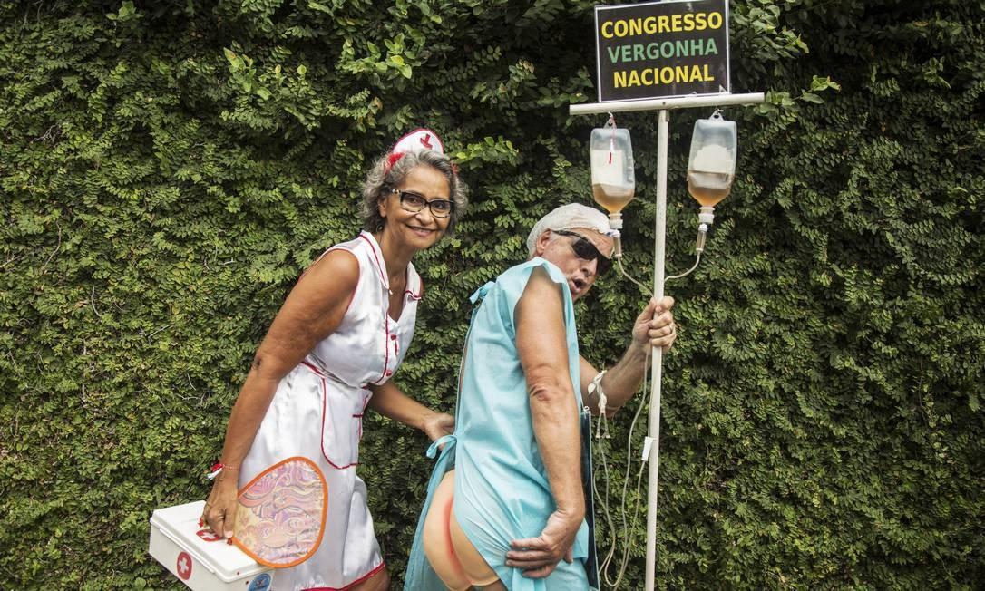 """O Céu na Terra, em Santa Teresa, teve um """"paciente folião"""" irritado com o Congresso em Brasília Foto: Ana Branco / Agência O Globo"""