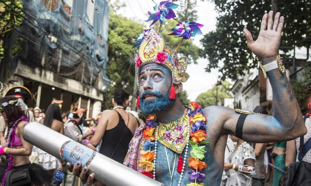 Não me leve a mal: é carnaval! Foto: Ana Branco / Agência O Globo