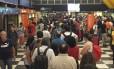 Passageiro registra o intenso movimento no aeroporto de Congonhas Foto: Reprodução/Twitter