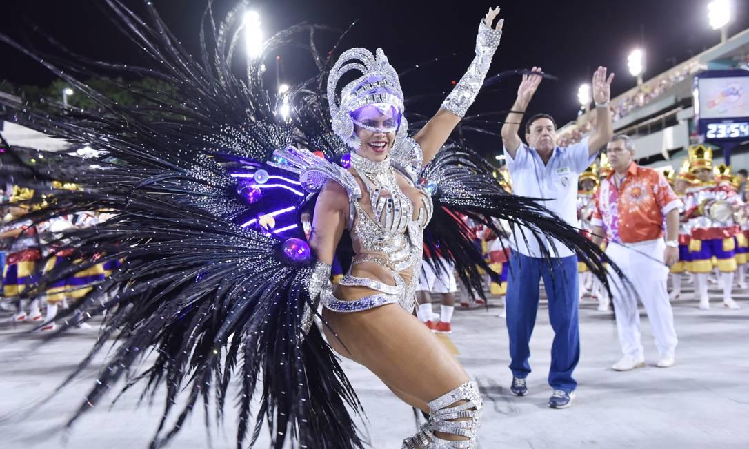 A rainha de bateria da Viradouro, Raíssa Machado Diego Mendes / Agência O Globo