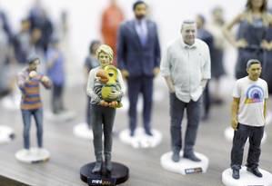 Réplicas. Bonecos em miniatura feitos pela MiniYou: empresa planeja fazer expansão com regime de franquias Foto: Edilson Dantas / Edilson Dantas
