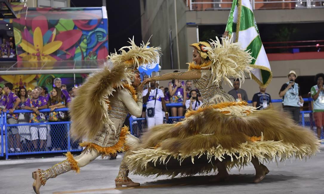 2a1a951fd Império Serrano se destaca na segunda noite de desfiles da Série A ...