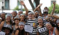 Fantasias irreverentes são uma tradição do bloco Foto: Marcia Foletto / Agência O Globo