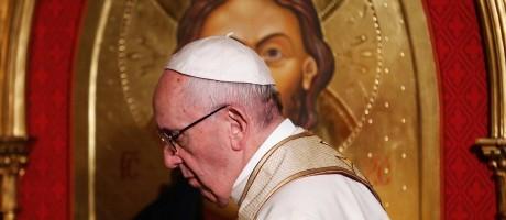 O Papa Francisco visitou a Igreja de Todos os Santos em Roma Foto: ALESSANDRO BIANCHI / REUTERS
