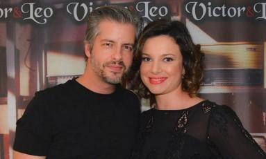 O cantor Victor Chaves com Poliana Bagatini Foto: Reprodução