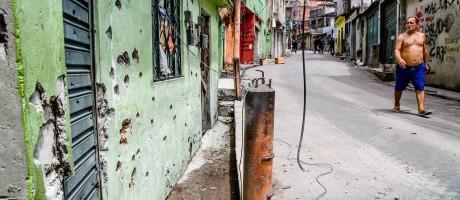 Complexo do Alemão vive rotina de tiroteios Foto: Bruno Itan/ Coletivo Papo Reto / Agência O Globo