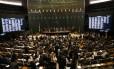 Os 513 deputados que integram a Câmara só podem ser investigados com autorização do STF e julgados pela suprema corte Foto: Ailton de Freitas / Agência O Globo