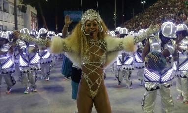 Sabrina Sato, rainha de bateria da Vila Isabel Foto: Márcio Alves / Agência O Globo