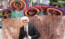 Muro de Donald Trump virou motivo de piada para os foliões no Afroreggae Foto: Cléber Júnior / Agência O Globo