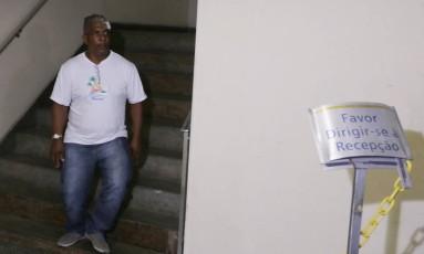 O motorista Francisco de Assis Lopes que dirigia o carro alegórico da escola de samba Paraíso do Tuiuti Foto: Cléber Júnior / Agência O Globo