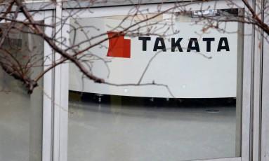 Showroom da Takata em Tókio: fabricante de airbags tenta fechar acordo com o Departamentod e Justiça americano, que inclui declaração de culta e US$ 1 bilhão em compensações Foto: TORU HANAI / TORU HANAI/REUTERS/9-02-2017