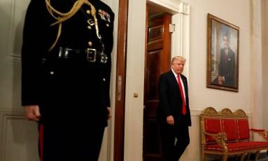 """O presidente americano, Donald Trump, chega a encontro com associação de governadores na Casa Branca, em Washington: """"Temos que voltar a vencer guerras"""", afirmou Foto: KEVIN LAMARQUE / REUTERS"""