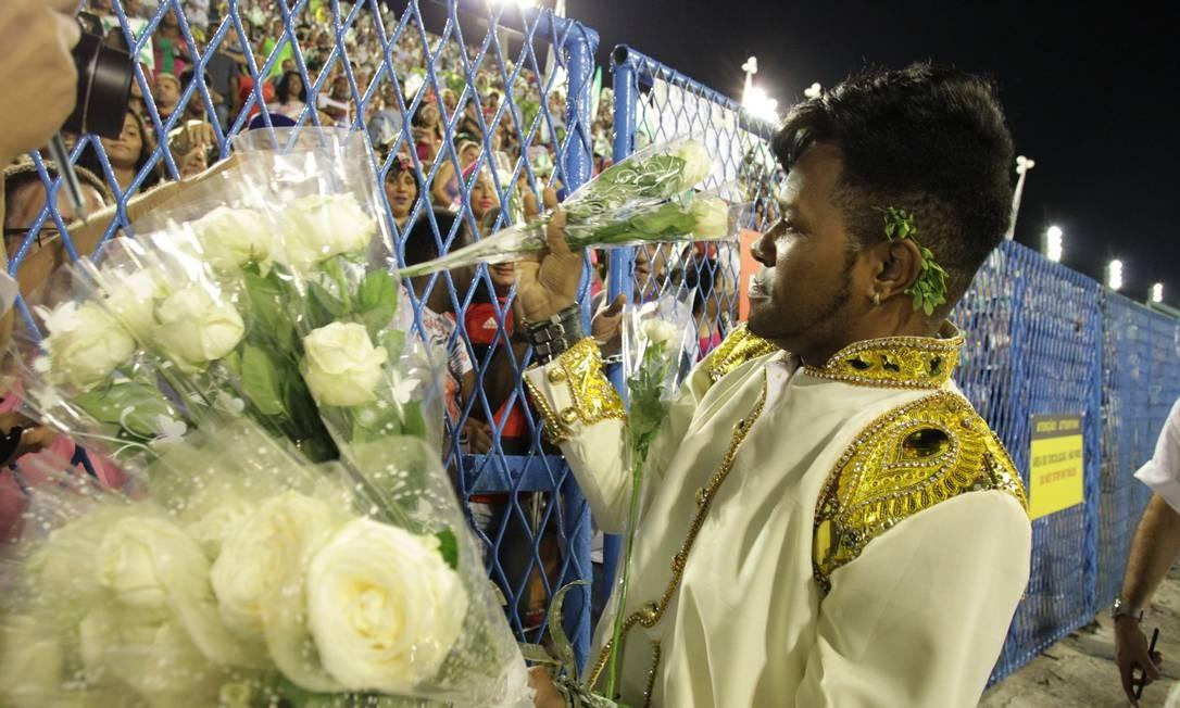 """A estrela do desfile convocou o público a entrar no clima das """"mil e uma noites de uma Mocidade pra lá de Marrakesh"""", como propõe o enredo. E a comunidade da Vila Vintém transcendeu fronteiras Foto: Marcelo Theobald / Agência O Globo"""