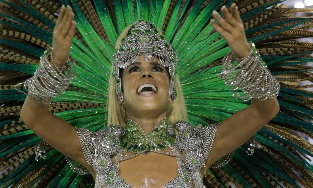 Vanessa Camargo, coroada musa da Mocidade neste Carnaval, deu o seu melhor para fazer jus ao convite Foto: Marcelo Theobald / Agência O Globo