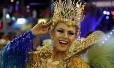 Tânia Oliveira, rainha da bateria da União da Ilha, brilhou na passarela Foto: Márcio Alves / Agência O Globo