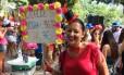 Fernanda Freitas, empresária, chegou cedo ao A Rocha da Gávea para vender sacolés Foto: Agência O Globo / Jan Niklas