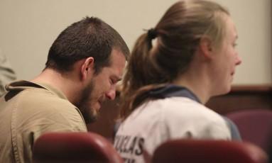 Torres e Kayla choram ao escutarem sentença Foto: Henry P. Taylor / AP