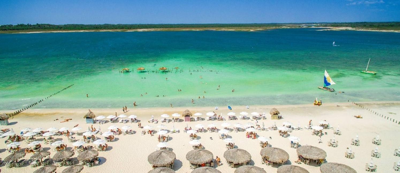 Quiosques. Praia de Jericoacoara, melhor destino em alta da América Latina Foto: Gustavo Pellizon / Setur Ceará/Divulgação
