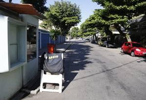 Rua General Guedes da Fontoura é um dos pontos inseguros, segundo moradores do Jardim Oceânico Foto: Fábio Rossi / Agência O Globo