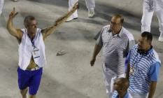 Paulo Barros desfila na Sapucaí Foto: Movinfocopress