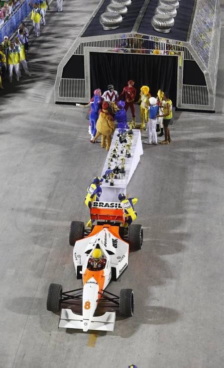 """Em 2014, com o enredo """"Acelera, Tijuca!"""", Paulo Barros lembrou os 20 anos da morte de Ayrton Senna. Naquele ano, a Unidos da Tijuca foi novamente a campeã do Grupo Especial Foto: Alexandre Cassiano / Agência O Globo"""