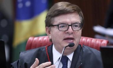 Ministro Herman Benjamin durante sessão plenária do TSE Foto: TSE / Agência O Globo